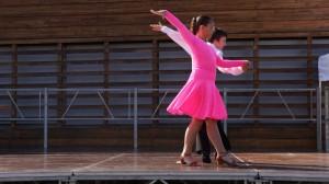 Danse de salon par deux jeunes - Ms Danse