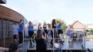 Scène de la Fête de la Danse avec Danse Loisirs Landser